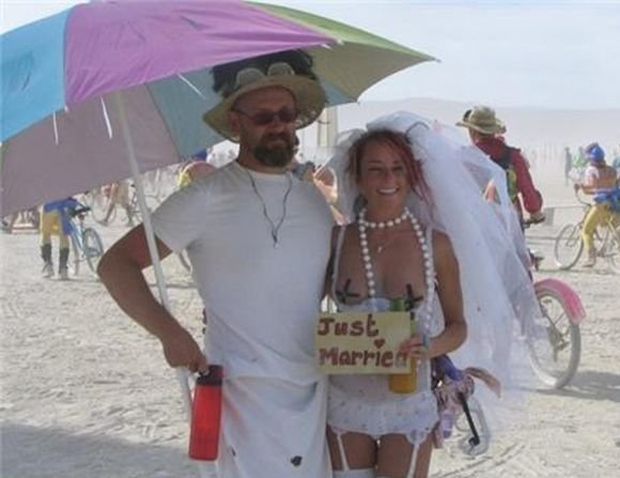 Funny Wedding Pictures: 15 of the Ceremonial Worst  Team ...