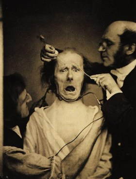 30 Creepy Photos That Will Haunt Your Soul