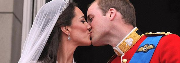 royal-wedding-kiss.jpg