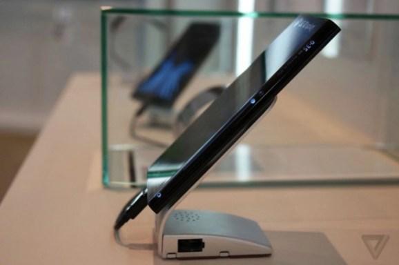 LG curved display edge phone
