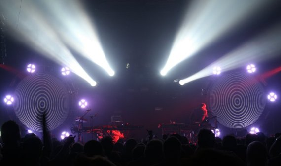 tcm03 570x336 Barco lights the nights for The Crystal Method tour