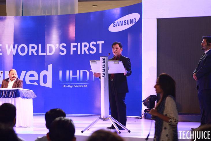 Samsung-Pakistan-Curved-UHDTV_2