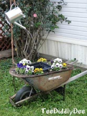 Wheelbarrow waterfountain