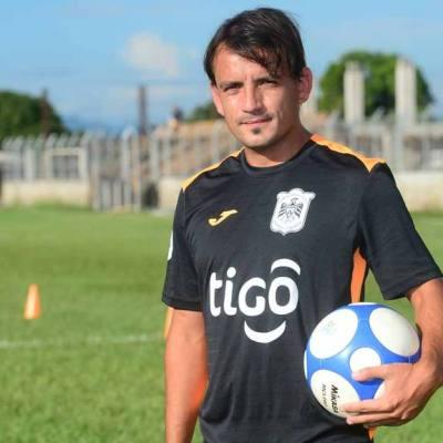 Nicolás Fagúndez, Águila