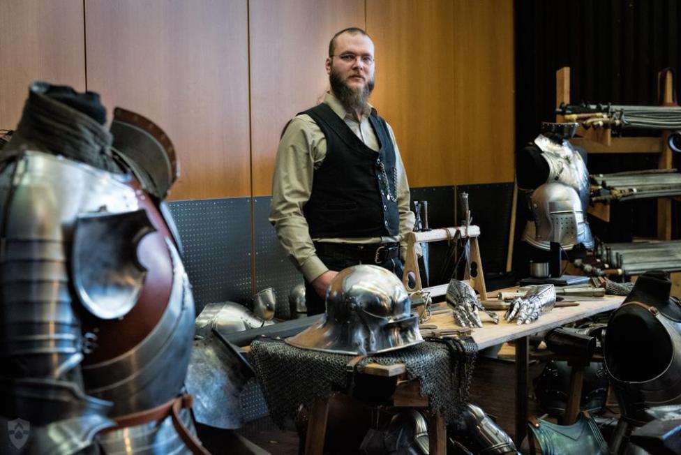 Garantiert knitterfrei - Rüstungen von Eysenkleider