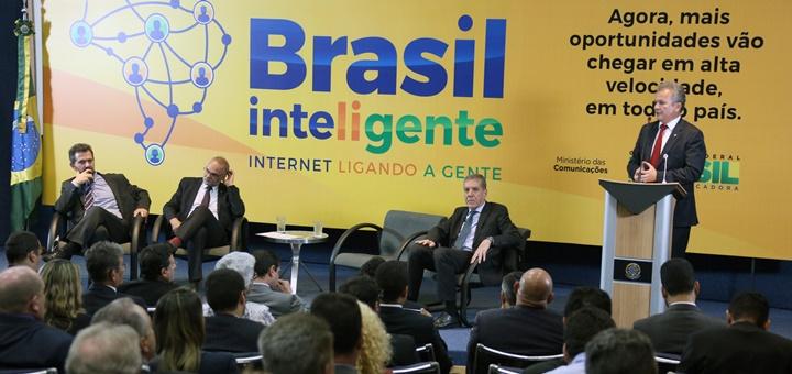 Presentación del plan Brasil Inteligente. Imagen: Ministerio de Comunicaciones