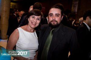 Áurea e Ricardo, da Momento Editorial