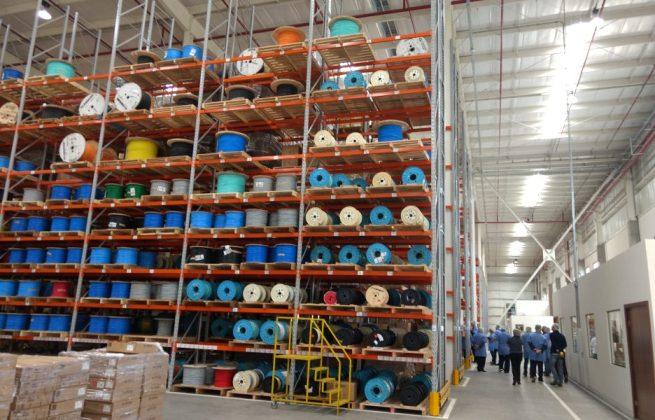 Centro de Distribuição da Furukawa em Curitiba: movimento diário de 40 a 50 caminhões/dia, que chegam com estoque e saem com produtos da fábrica