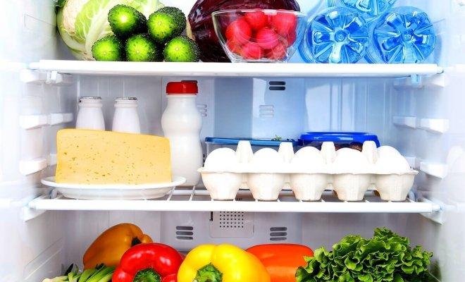 come fare pulizia nel frigorifero