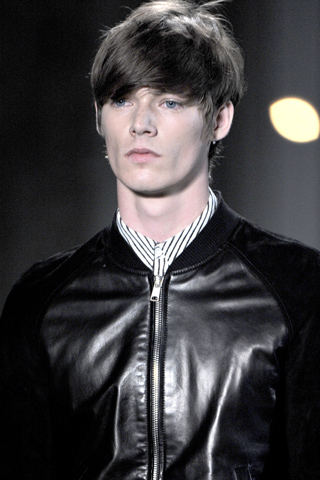 Alexander_Mc_Queen_2012_mens_hairstyle_trends_www_izandrew_blogspot_com_izandrew_2