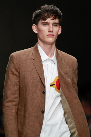 Burberry_Prorsum_2012_mens_hairstyle_trends_www_izandrew_blogspot_com_izandrew_3