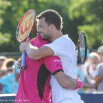 Dimitrov Wawrinka hug