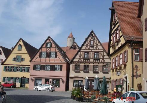 Dinkelsbuhl-Attractive-buildings, towers and restaurants greet the eyes at every turn
