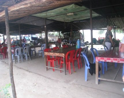 Roadside-Cafe for-lunch - Tonle Bate