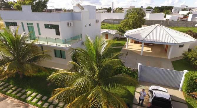 Casa à venda em condomínio no Jardim Paraíso em Luís Eduado Magalhães
