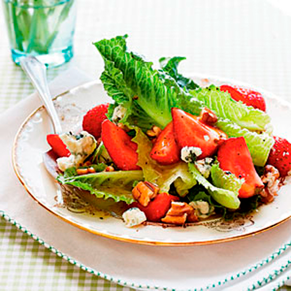 Romaine-with-Toasted-Pecans-and-Pickled-Strawberries