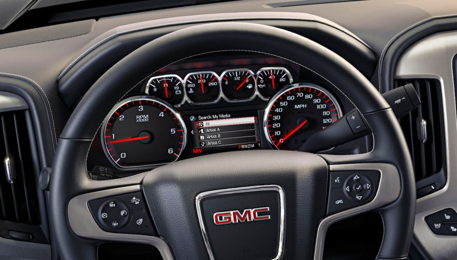 2014 GMC Sierra  Everything you d ever want to know about the new     2014 GMC Sierra  Everything you d ever want to know about the new trucks  interior design
