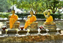 Three Bouddhas at Wat Jedyod in Chiang Mai