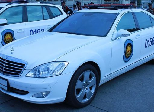 Mercedes-Benz S-350 police car in Bangkok