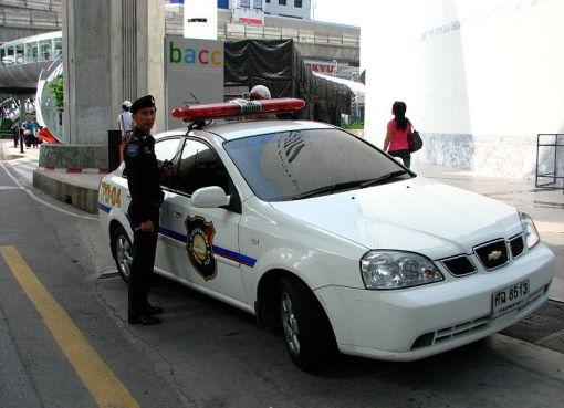 Thai Tourist Police Chevrolet Optra car