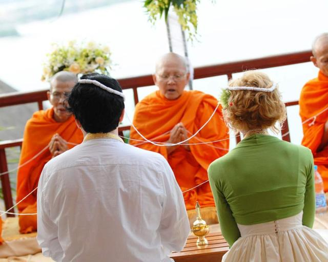 local traditions thailand wedding