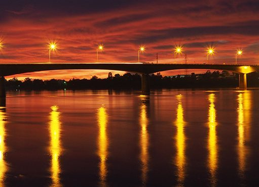 the thai laos friendship bridge
