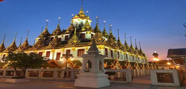 Wat-Ratchanatdaram-Woravihara-The-Metal-Castle