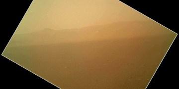 รูปถ่ายสีรูปแรกจากดาวอังคารโดย Curiosity