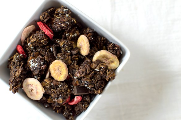I needed a healthy energy-filled snack, so I got some inspiration from Love Crunch granola and made my own version. Behold! This Dark Chocolate Strawberry-Banana Granola! #YUM.