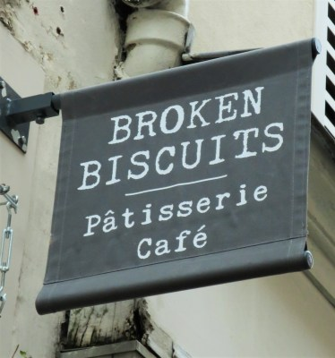 tea-time_broken-biscuits_35