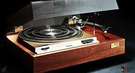 242168-vintage_turntable