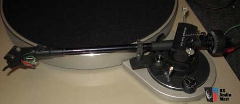 691675-harman_kardon_t65c_suspended_audiophile_turntable_ito_tonearm_shure_me97he_cartridge