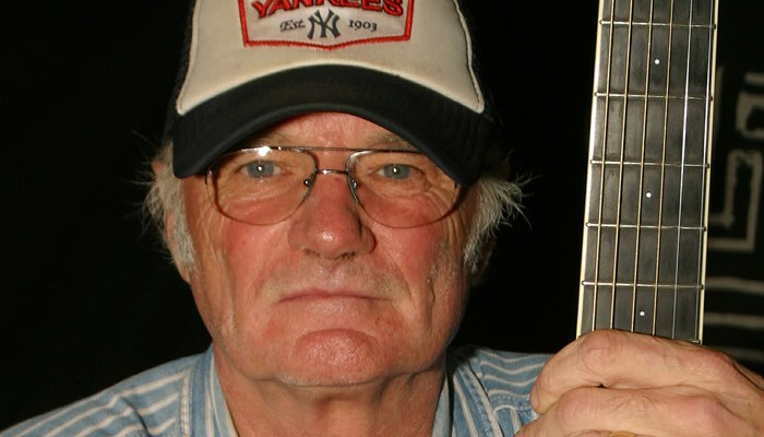 Michael-Chapman-live-blues-guitar-and-singer-at-hinckley-ACT