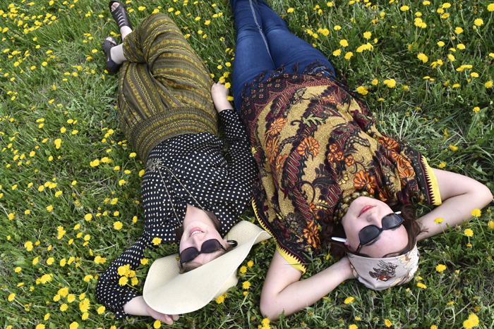 in the grass 1970's photo shoot the artyologist