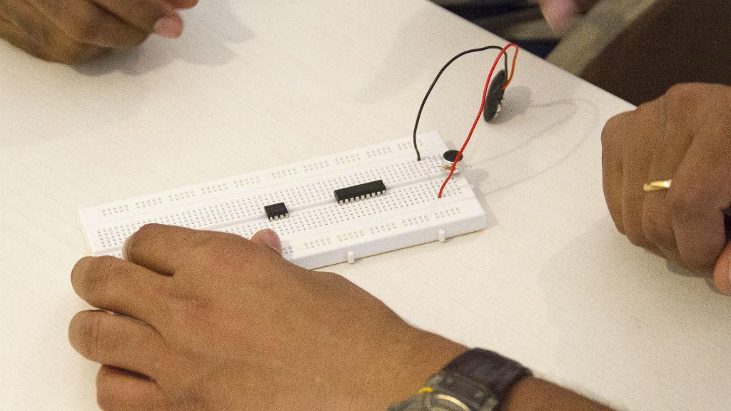 Workshop – Make a DIY Sound VU Monitor – Apr 30, 2016