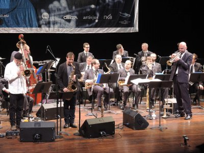 Modern Art Orchestra as the appeared at the Kennedy Center under the direction of composer/trumpeter Kornel Fekete-Kovacs on trumpet (Photo credit: Larry Appelbaum)