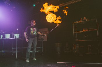 """David Maiullo in a scene from """"That Physics Show!"""" (Photo credit: Donnell Culver)"""