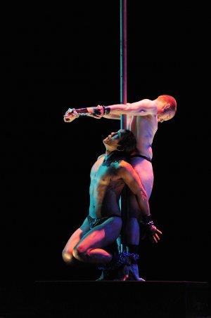 [esc] performed by Pilobolus Dance Theater (Photo credit: John Kane)