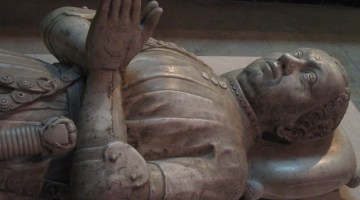 Bertrand du Guesclin, un gisant non royal à la basilique Saint-Denis;