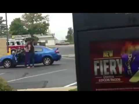 Man Ignores Chick Brawl, Takes Ordering Taco Bell to Next Level