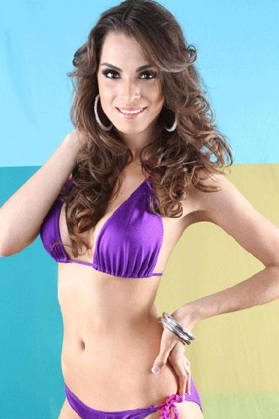 Laura Godoy bikini