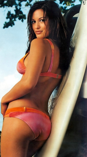 Malia Jones surfer