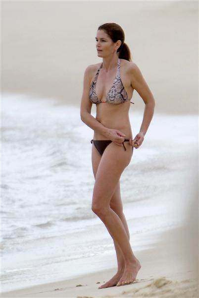 Bikini Bodies over 40 Cindy Crawford at age 46