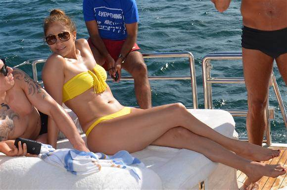 Bikini Bodies over 40 Jennifer Lopez at 43