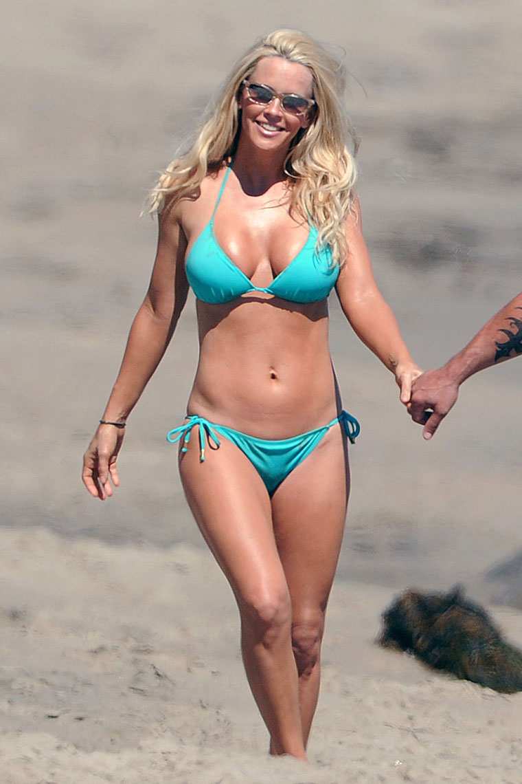 Jenny McCarthy shows off her bikini body on the beach