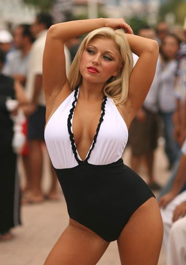 Stunning-Full-Figure-Elegant-One-Piece-Swimsuit
