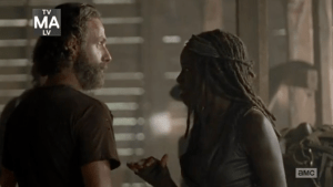 screen-shot-2015-02-23-at-12-01-03-pm-5-things-you-might-have-missed-in-the-walking-dead-the-distance