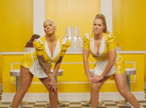 rs_1024x759-150413130821-1024.amy-schumer-amber-rose.cm.41315