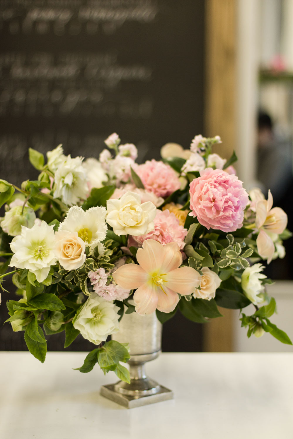 how_to_make_a_floral_centrepiece_9
