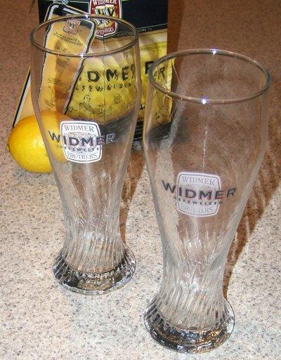 Widmer Hefeweizen Perlsee glasses